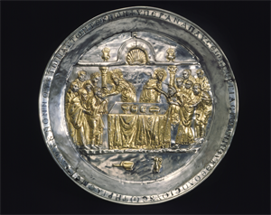 Image of Paten with the Communion of the Apostles