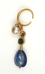 Image of Earring with Pearl, Emerald, and Sapphire