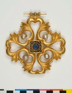 Image of Large Pendant with Pearls and Blue Glass