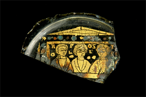 Image of Fragment of a Gold-Glass Vessel